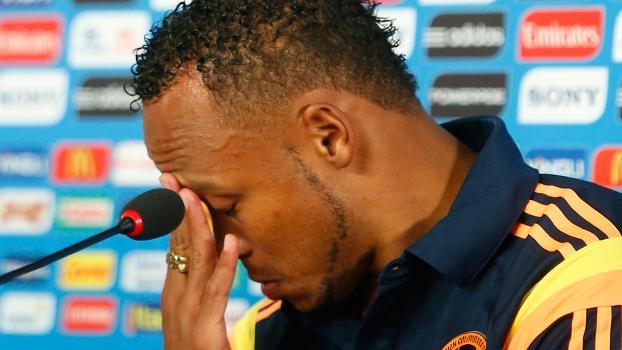 Lateral colombiano sofreu com as ameaças e os xingamentos após a lesão de Neymar
