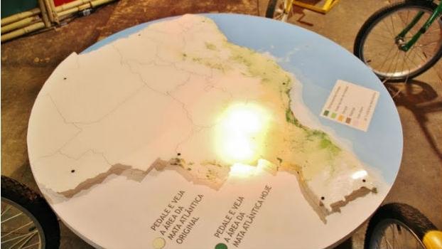 Mapa da Mata Atlântica, acesso com energia das bikes.