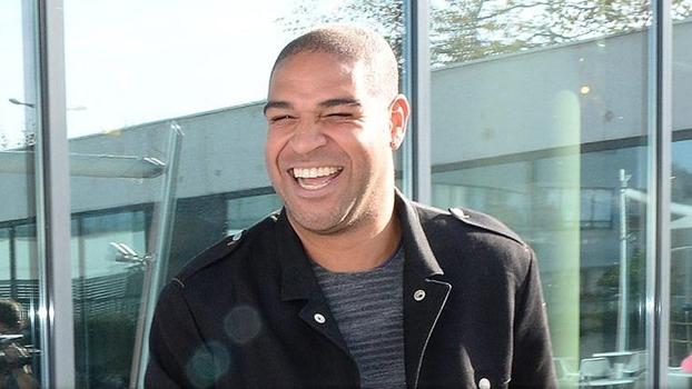 Adriano Imperador Desembarque Le Havre França 31/10/2014
