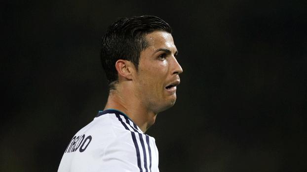 Cristiano Ronaldo não acredita no resultado e faz careta