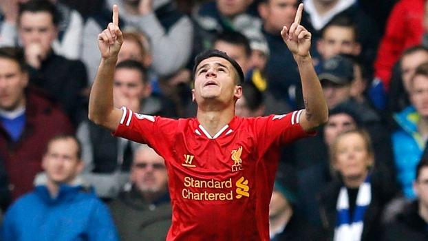 Philippe Coutinho comemora gol: meia amadureceu no Liverpool e foi eleito o melhor brasileiro no exterior