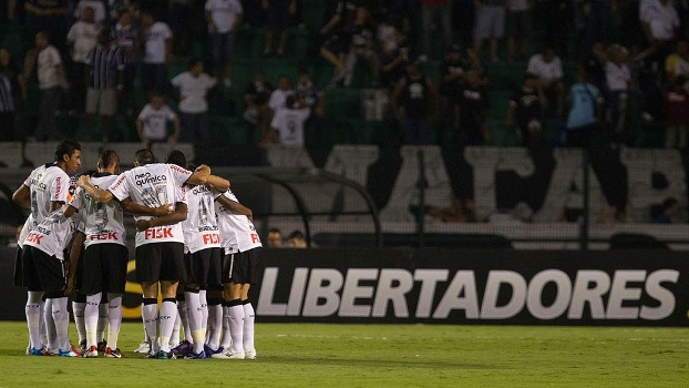 Corinthians inicia em La Bombonera a busca pelo primeiro título da Libertadores