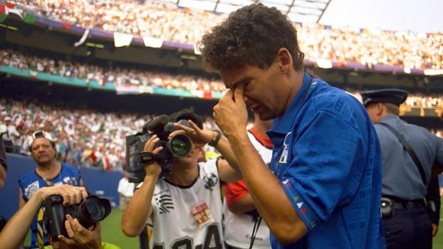 Roberto Baggio exausto após mais um jogo da Itália na Copa do Mundo de 1994