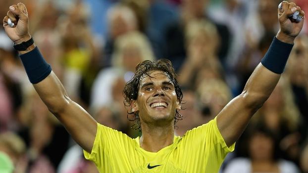 Rafael Nadal comemora mais uma vitória sobre o freguês Roger Federer