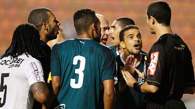 Goiás Reclama Árbitro Santos Gol Entrou Campeonato Brasileiro 28/09/2014