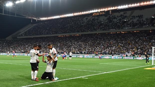 Resultado de imagem para Corinthians torcida na Arena Corinthians