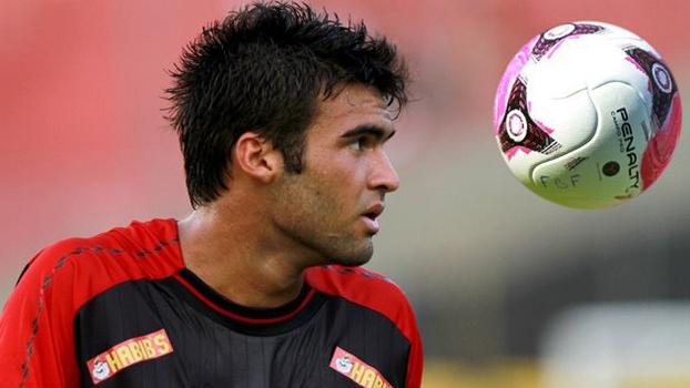 Arthur Maia voltou ao Vitória depois de passagem pelo Joinville