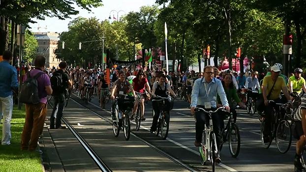 Velo Style e passeio de bike em Viena com 1200 pessoas no Velo-city| Aventuras com Renata Falzoni