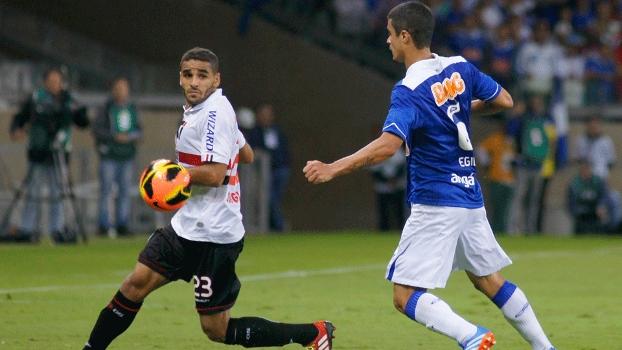 Douglas marcou o primeiro gol do São Paulo na partida