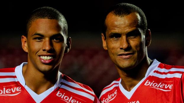 Rivaldo atuou pela primeira vez ao lado de seu filho Rivaldinho