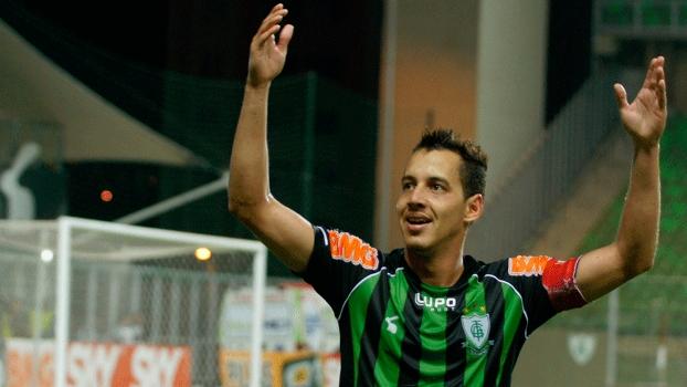 O atacante Rodriguinho, um dos destaques do América-MG na série B, foi contratado pelo Corinthians