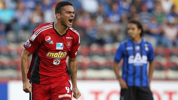 Cure fez um dos gols da vitória do Caracas