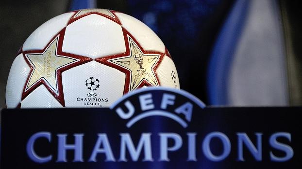 Logo e bola da Champions League