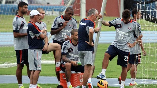 Dorival Júnior em seus primeiros momentos na curta passagem pelo Fluminense