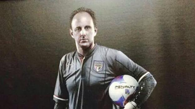 Aidar encerra polêmica com a Penalty e diz que Ceni usará camisa especial domingo