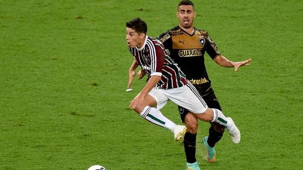 Gabriel 'persergue' Conca durante clássico Botafogo x Fluminense