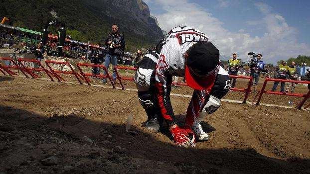 Saudades da terra. Após meses afastado por queda nos treinos, Max Nagl retorna ao Mundial de Motocross correndo em casa