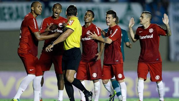 Inter negou briga entre os jogadores do Inter após derrota para o Goiás