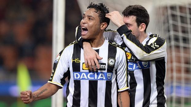 Muriel comemora ao marcar o primeiro gol da Udinese