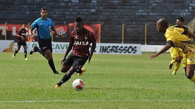 Atlético-PR empatou com Cascavel na estreia