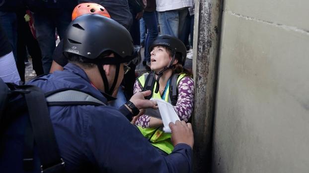 Jornalista foi atingida por bomba de gás lacrimogênio