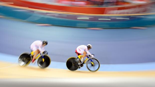 As chinesas Jinjie Gong e Shuang Guo: dois recordes e ouro perdido