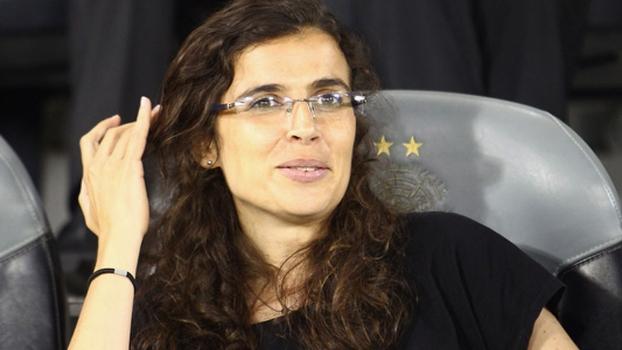 Helena Costa, de 36 anos, vai treinar o Clermont a partir da próxima temporada