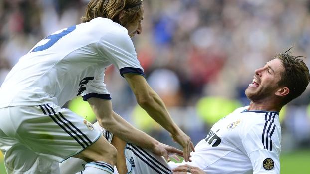 Sergio Ramos faz o gol da vitória do Real Madrid