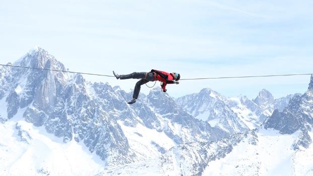 Julien Milot ? highline em Chamonix Mont-Blanc