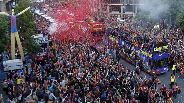 500 mil pessoas foram às ruas de Barcelona celebrar o título espanhol