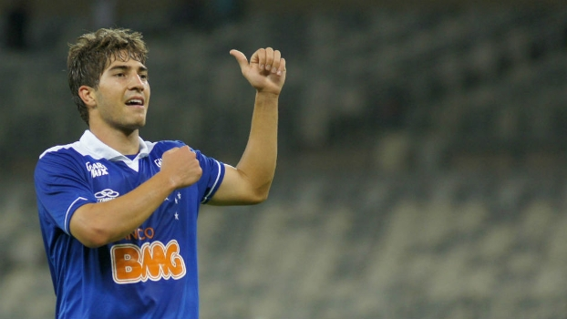 O vice-presidente do Cruzeiro confirmou a saída do volante Lucas Silva para o Real