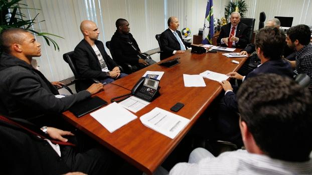 Reunião entre Marin e jogadores do Bom Senso F.C.