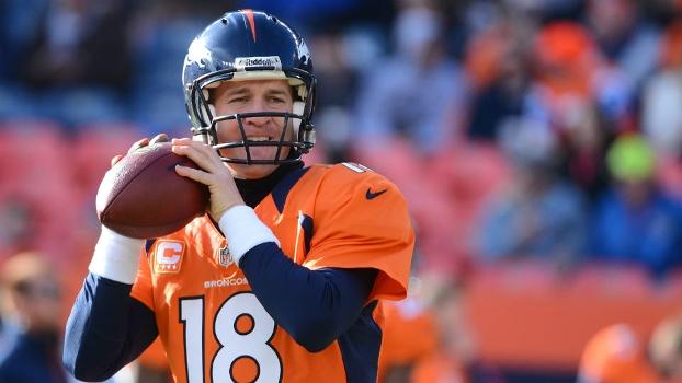 Manning durante a partida em que os Broncos garantiram o primeiro lugar