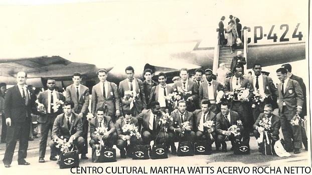 XV de Piracicaba 100 anos 14 de abril de 1964 Jogadores chegam à URSS e são recebidos com flores