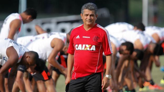 Ney Franco em seu primeiro treino no Ninho do Urubu