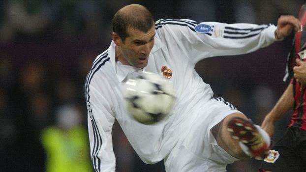 Zidane e o gol antológio da final da Champions 2001-02