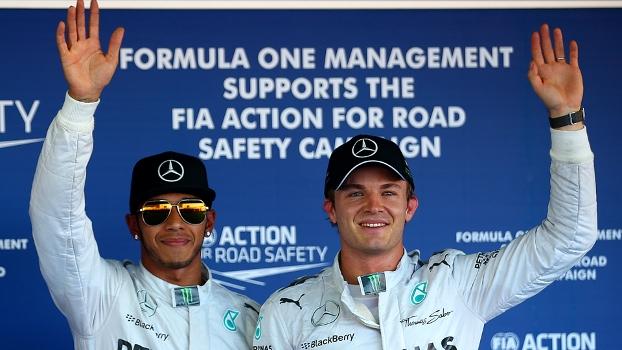 Lewis Hamilton e Nico Rosberg após o treino classificatório no Japão