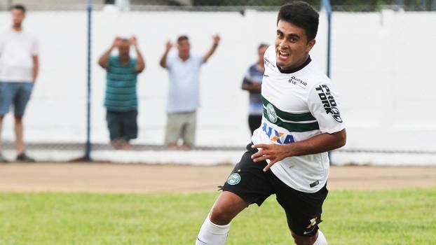 Rafhael Lucas Comemora Gol Coritiba Nacional Campeonato Paranaense 31/01/2015