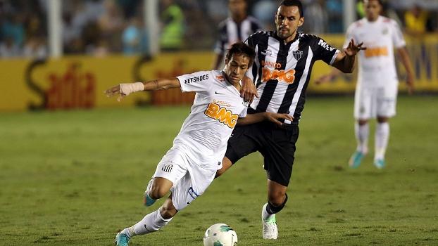 Neymar fez um belo gol no primeiro tempo driblando vários jogadores do Atlético-MG
