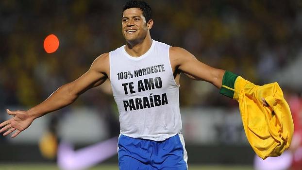 O atacante Hulk homenageou o estado da Paraíba após marcar o seu gol sobre a China