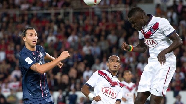 Ibrahimovic assiste cabeceio de Sane, no empate sem gols do Paris Saint-Germain contra o Bordeaux