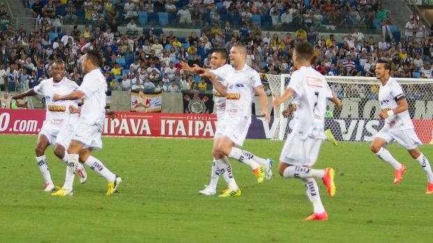 Bragantino surpreendeu e ganhou o jogo de ida contra o Corinthians