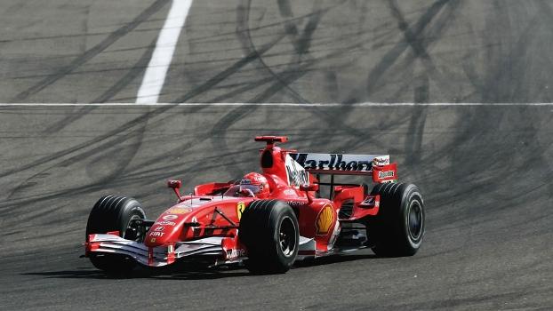 Michael Schumacher faz a curva 1 do circuito do Bahrein: agora, ela tem o seu nome