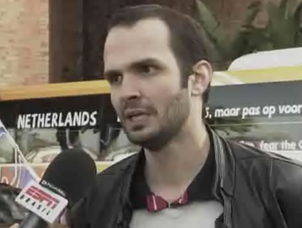 Repórter do ESPN.com.br flagrou ausência de Sneijder
