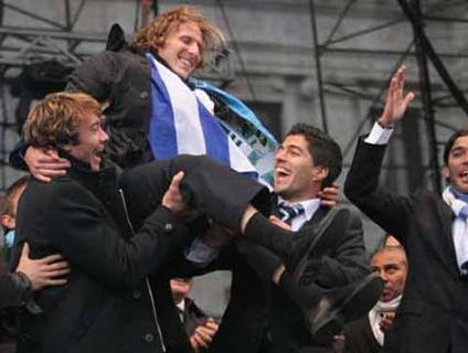 Uruguai foi recebido com muita festa em Montevidéu