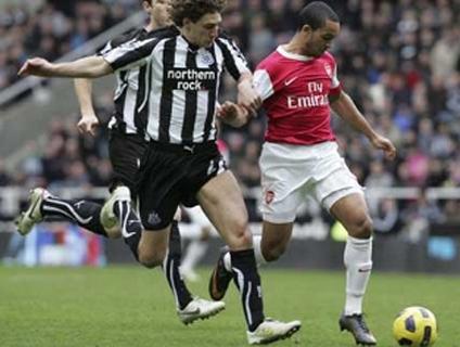 Clique no player acima para ver os gols do empate entre Newcastle e Arsenal!