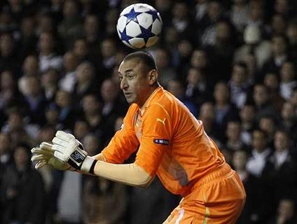 Veja o gol da vitória do Real Madrid na falha de Gomes!