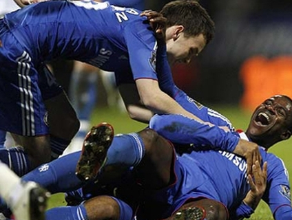 Ramires marca pela primeira vez, e Chelsea vence freguês Bolton; assista!