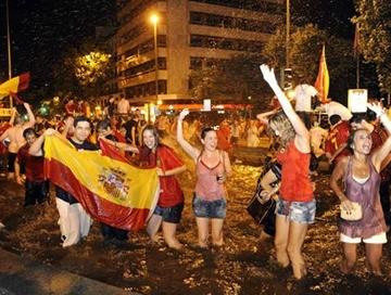 Festa sem fim em Madri para o inédito título mundial espanhol