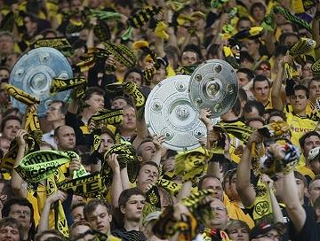 Borussia Dortmund vence e é campeão alemão pela sétima vez